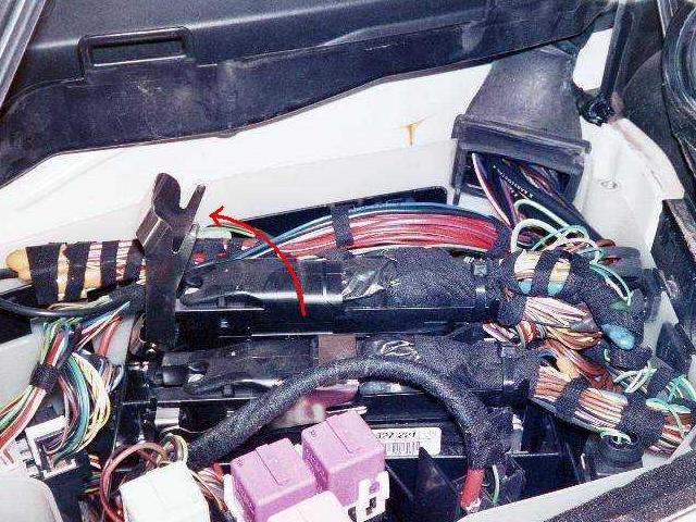 BMW 1997 540iA ECU Removal